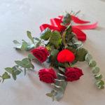 tres-rosas-rojas