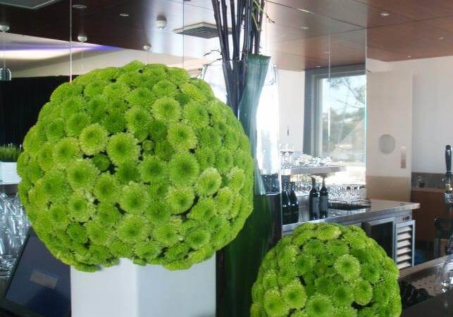 flowers-arrangement-yacht