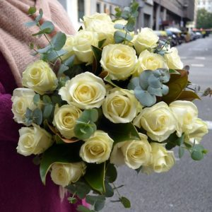 ramo-rosas-blancas-barcelona