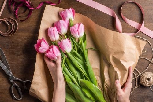 ofrecer flores