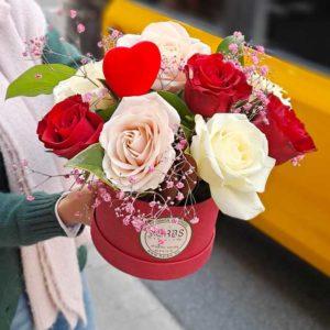 caja-roja-rosas